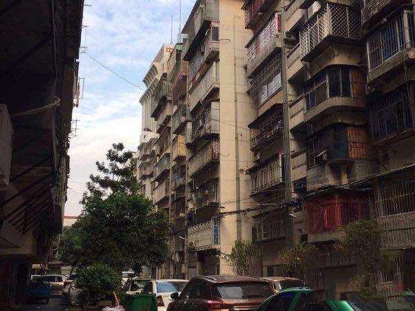 群众新村 茶亭国际群众小学旁  三房简单装修